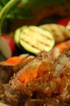 牛肉の根菜ロール