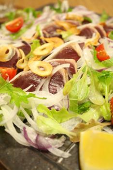 鰹のたたきサラダ