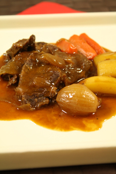 野菜と牛すね肉の煮込み
