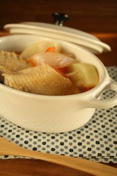 鶏手羽スープ煮