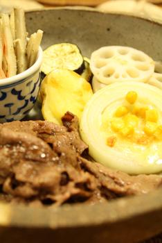 牛肉と野菜の盛り合わせ