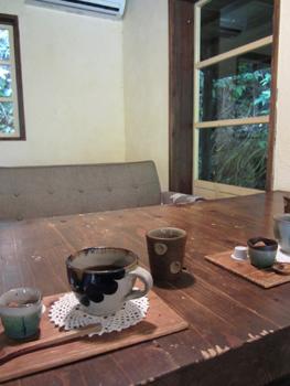 沖縄のカフェハコニワ