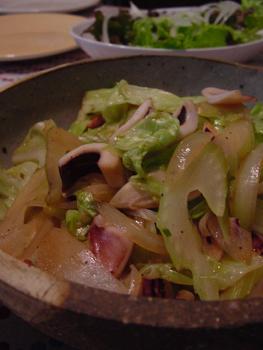 料理,イカとセロリとキャベツ炒め