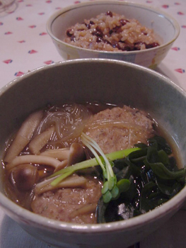 イワシのつみれ鍋とお赤飯