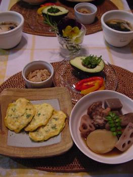 煮物と、豆腐のふわふわ焼き