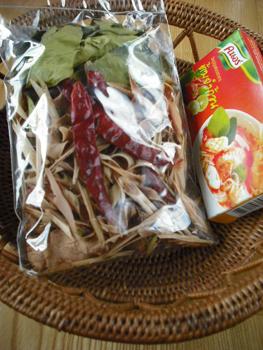タイ土産のトムヤムクンセット