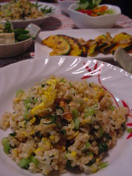 玄米ごはんの小松菜チャーハン