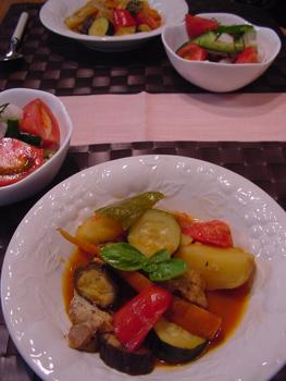 夏野菜とチキンのトマト煮込み