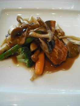 鮮魚と季節野菜のソテー