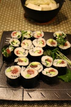 巻き寿司と湯豆腐鍋